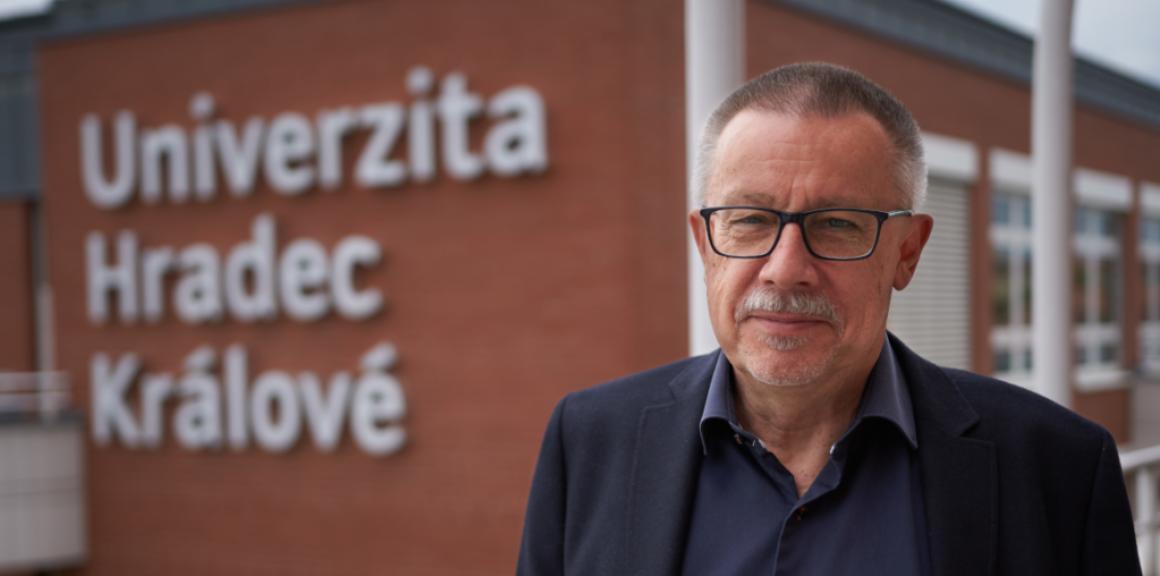 Pavel Vacek Univerzita Hradec Králové